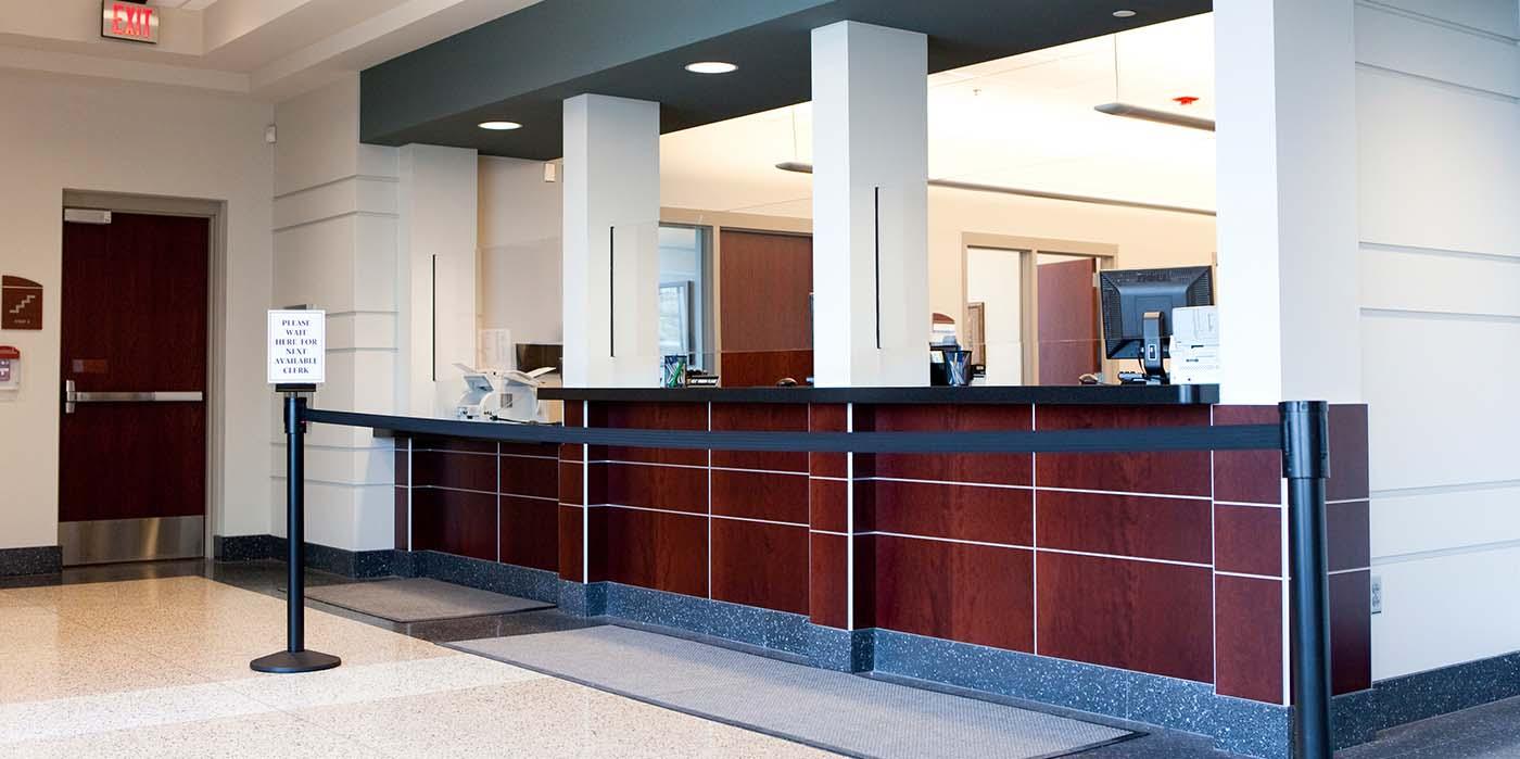 bank-waiting-room-cleannova